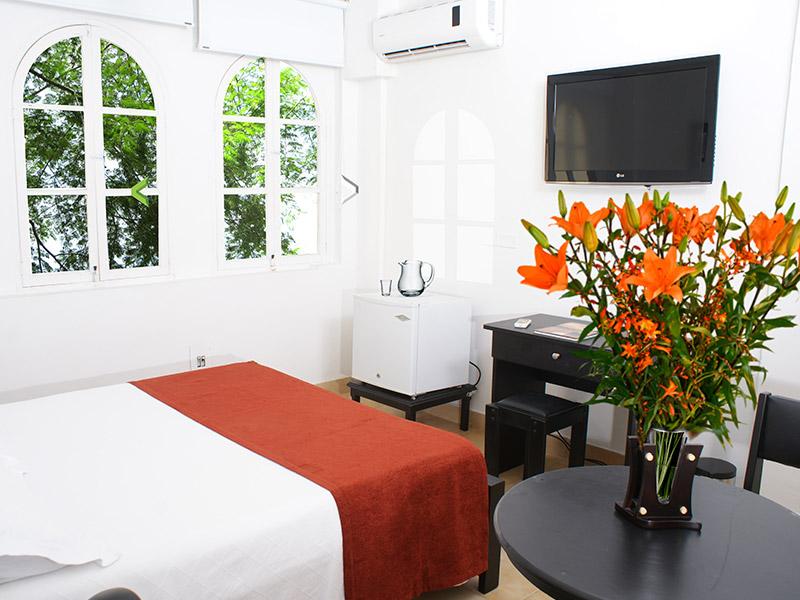http://hoteledmarsantamarta.com/wp-content/uploads/2016/02/hoteledmar-sencilla-doble03.jpg