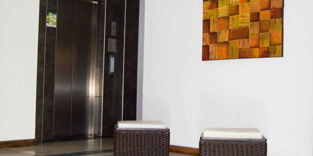 http://hoteledmarsantamarta.com/wp-content/uploads/2016/07/hoteledmar-lobby04-1080x540.jpg