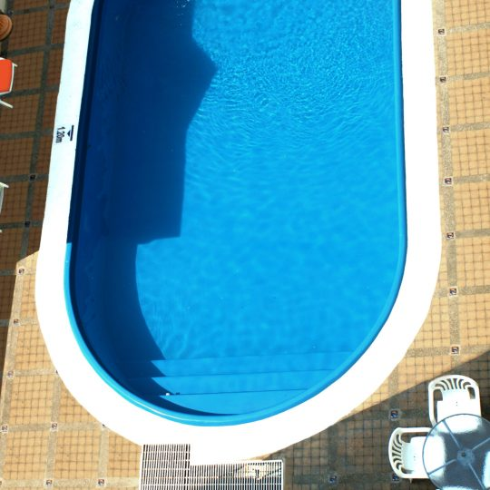 http://hoteledmarsantamarta.com/wp-content/uploads/2016/07/hoteledmar-piscinabar06-540x540.jpg
