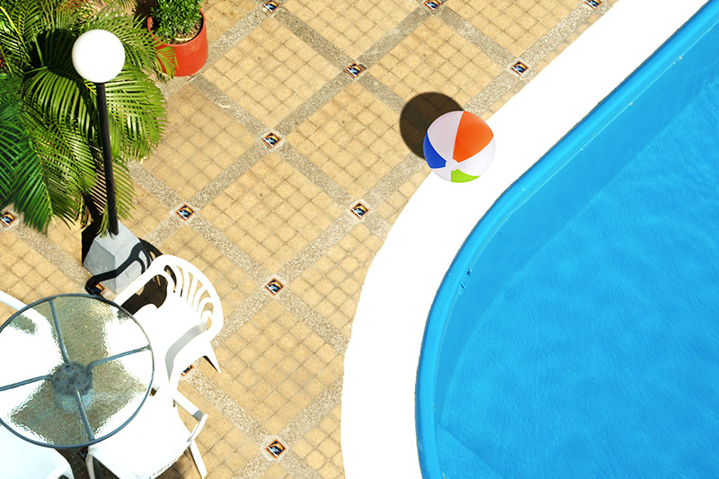 http://hoteledmarsantamarta.com/wp-content/uploads/2016/08/piscina01.jpg