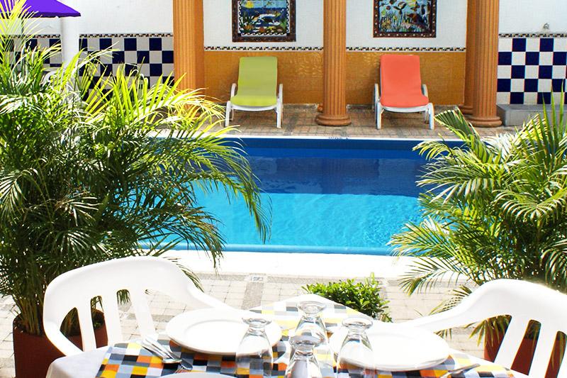 http://hoteledmarsantamarta.com/wp-content/uploads/2016/08/piscina04.jpg