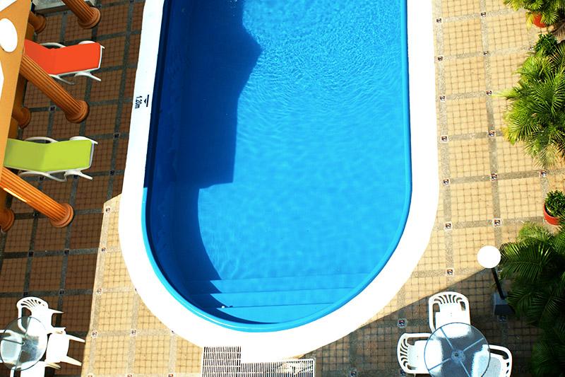 http://hoteledmarsantamarta.com/wp-content/uploads/2016/08/piscina05.jpg