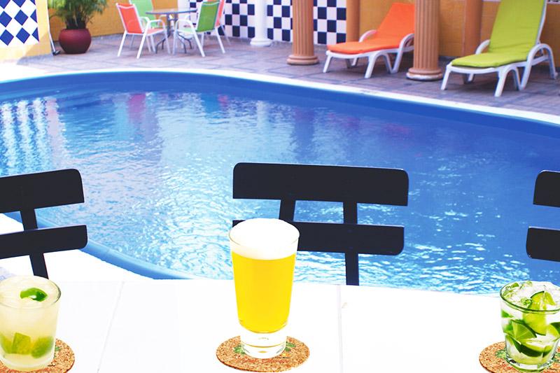 http://hoteledmarsantamarta.com/wp-content/uploads/2016/08/piscina06.jpg