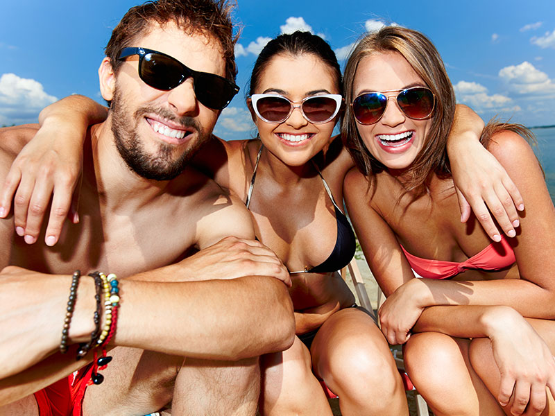 http://hoteledmarsantamarta.com/wp-content/uploads/turismo-grupo-amigos.jpg